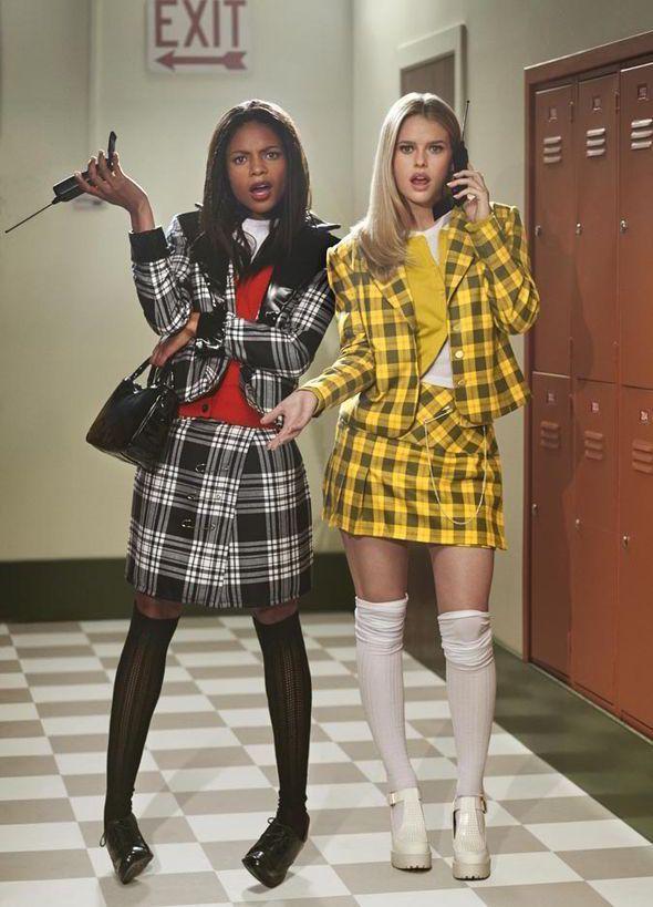 Naomie Harris und Alice Eve stellen Thelma & Louise und Clueless in atemberaubenden Fotoshootings nach #spookyoutfits