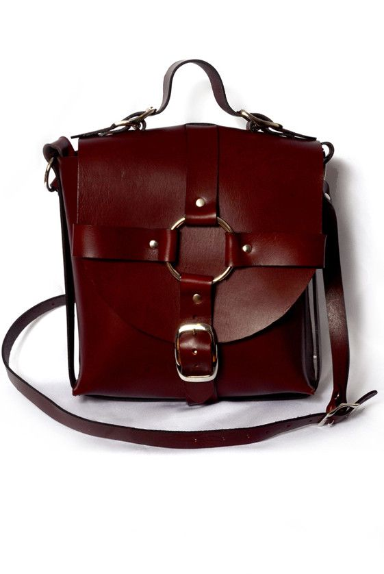 Zana Bayne: Medium Signature Bag in Oxblood!