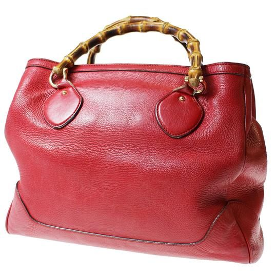 Gucci Extra Large Size Or Tote Multi-compartment Great Pop Of Color  Excellent Vintage Satchel in red leather with bamboo handles d96238f641c01