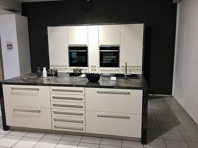 Schmidt Küchen-Musterküche Matt-Lack Küche mit Kochinsel - küche weiß matt grifflos