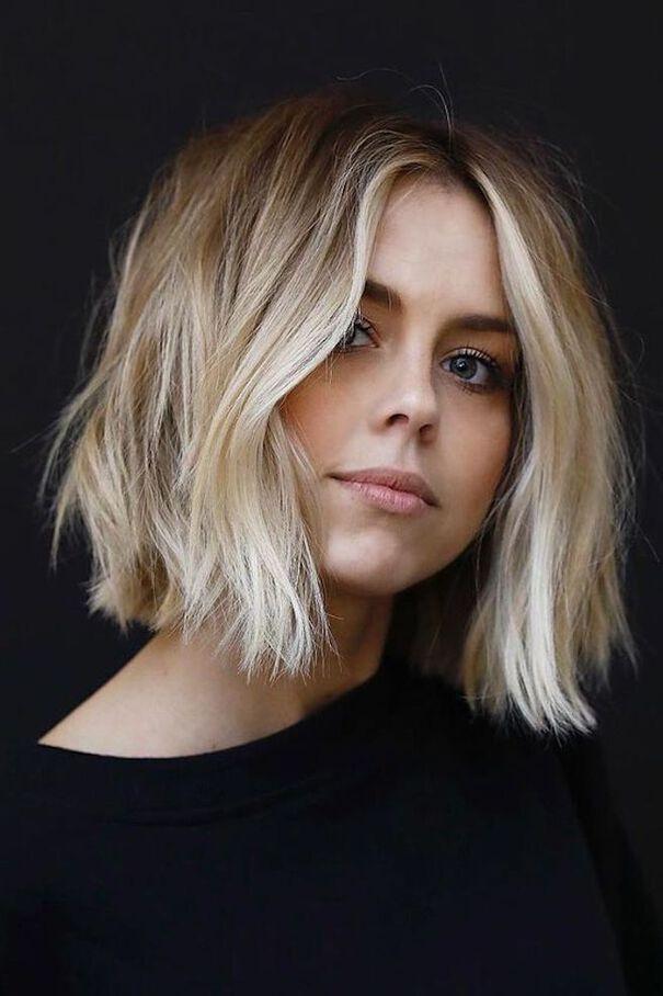 Tendance cheveux 2020 : caramel ou blond polaire,