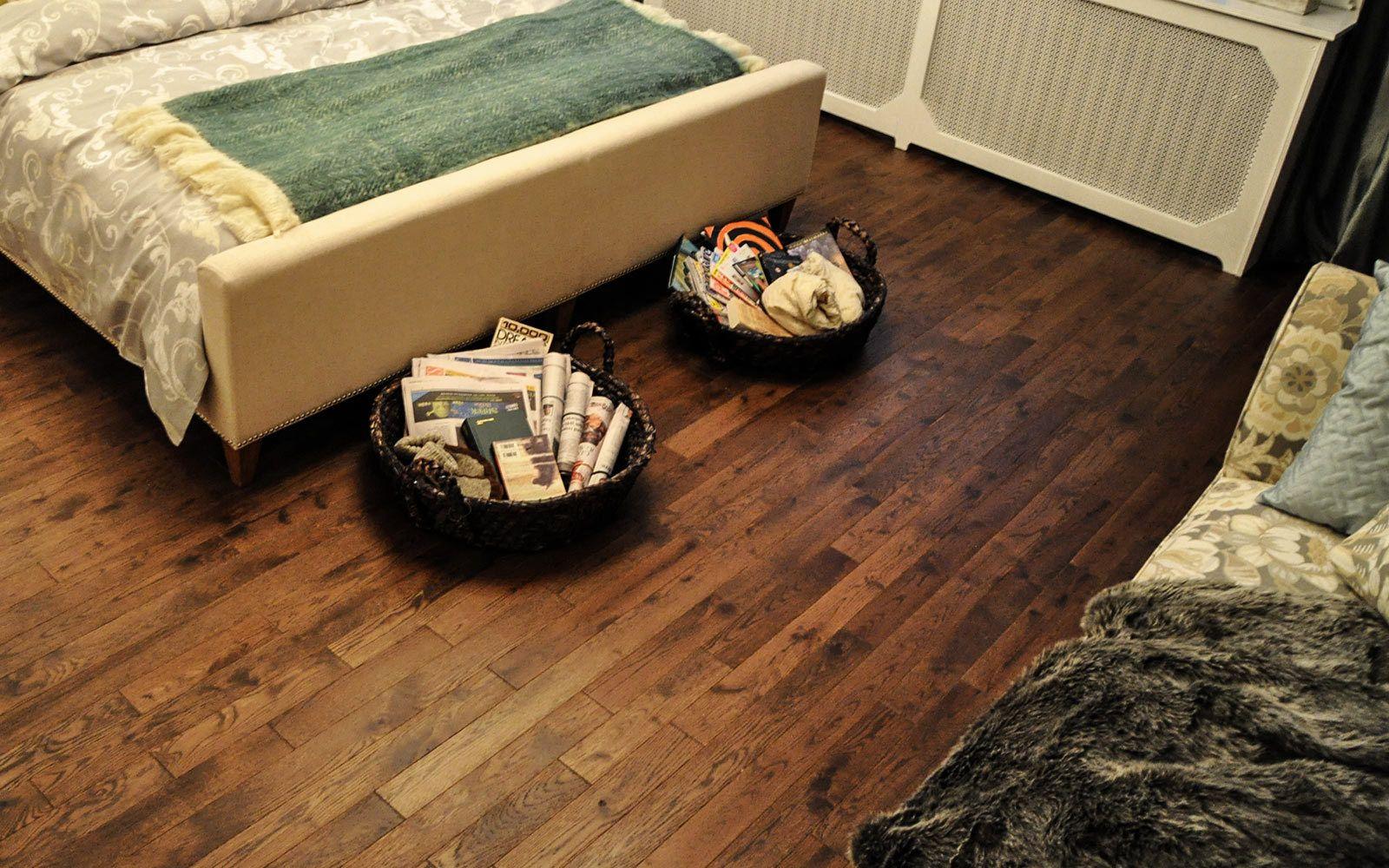 Bedroom Prefinished hardwood flooring Plancher de bois