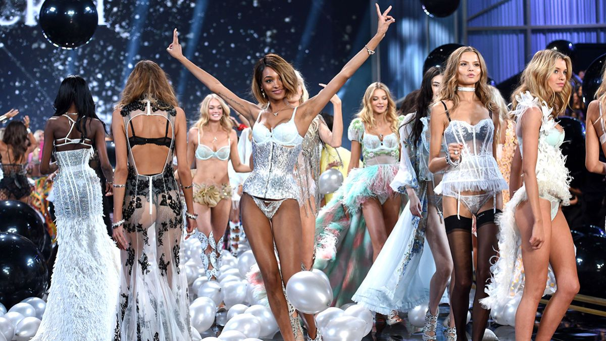 15015970f39b0 11 Plus-Size Models Who Should Totally Be Victoria s Secret Angels - MTV