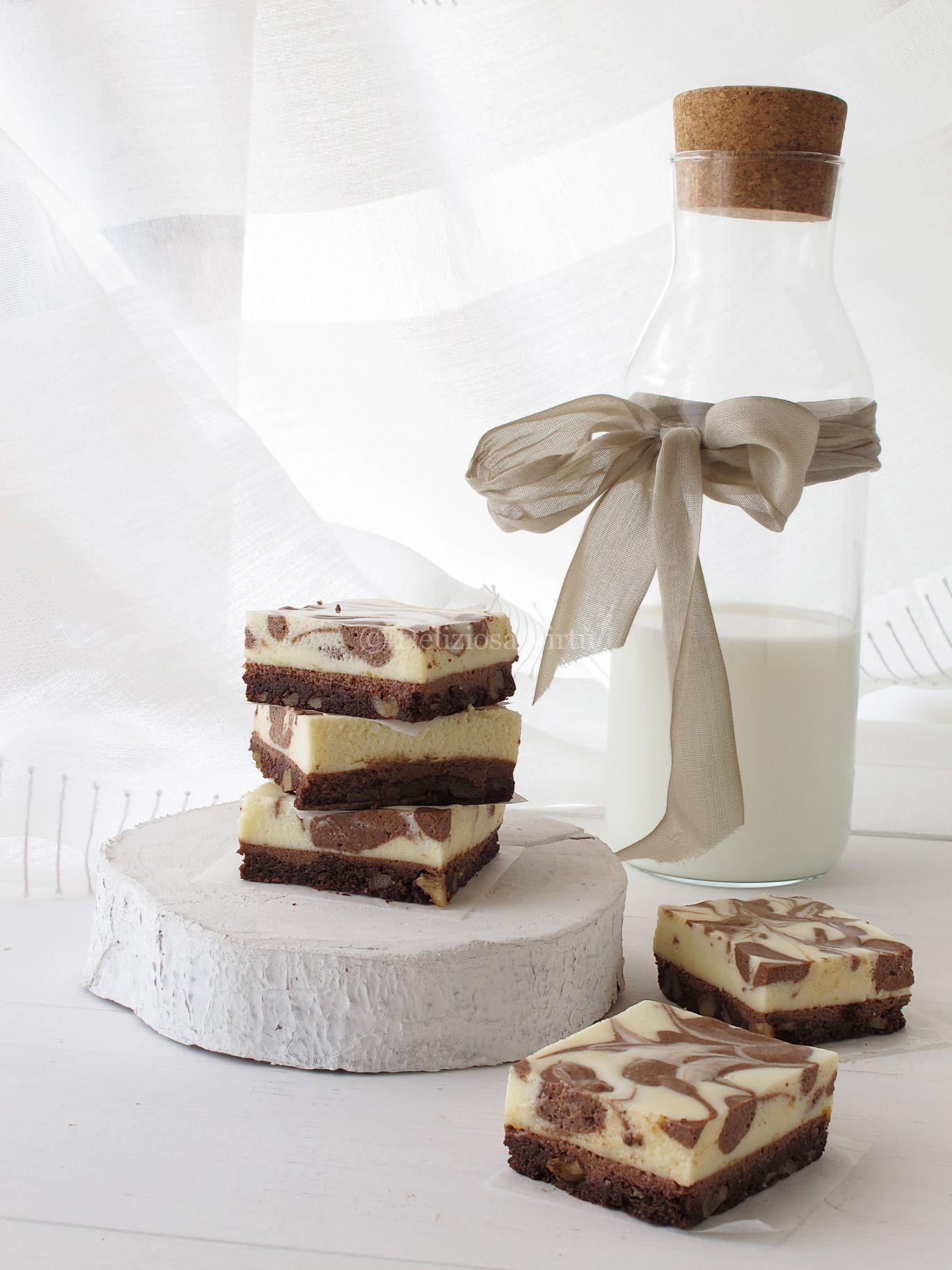 """Chocolate mousse brownies #magariungiorno Ciao a tutti, siamo già a lunedì e, non sò per voi ma per me è il giorno piu """"pesante"""" della settimana; come dite? Anche per voi? Bene allora perchè non proviamo ad alleggerirlo un pò? Magari con una nota dolce? E magari anche a base di cioccolato… Allora iniziamo questa settimana con una vera… #magariungiorno"""