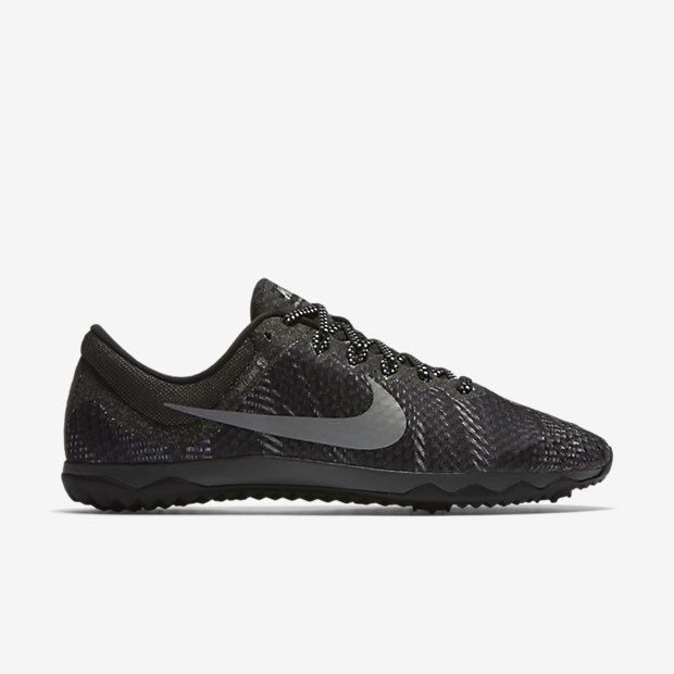 932345ab481df LIGHTWEIGHT COMFORT OVER LONG DISTANCES The Nike Zoom Rival Waffle XC  Unisex Track Shoe is designed