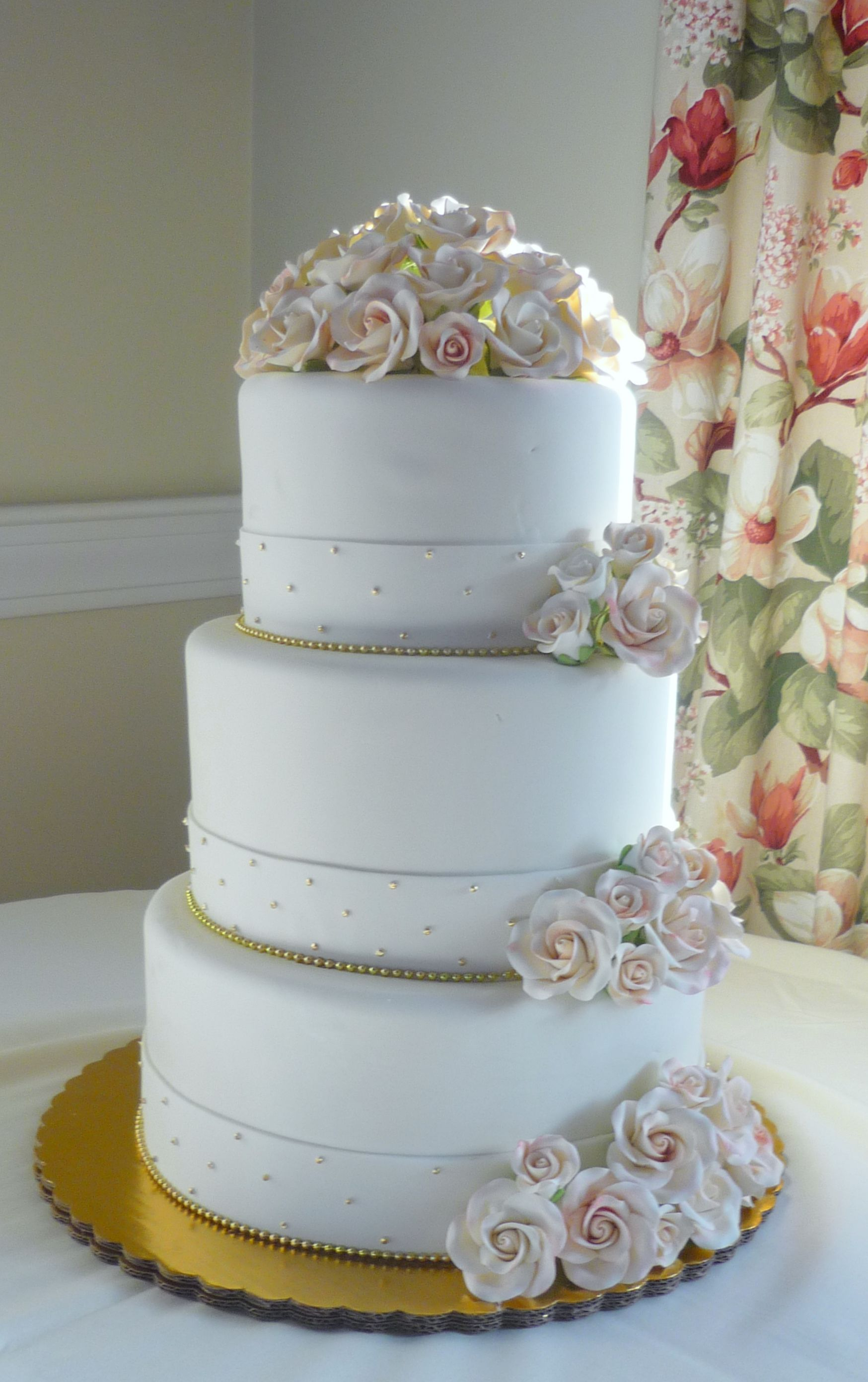 Victorian Inspired Wedding Cake In Blush Tone Pink And Gold Www