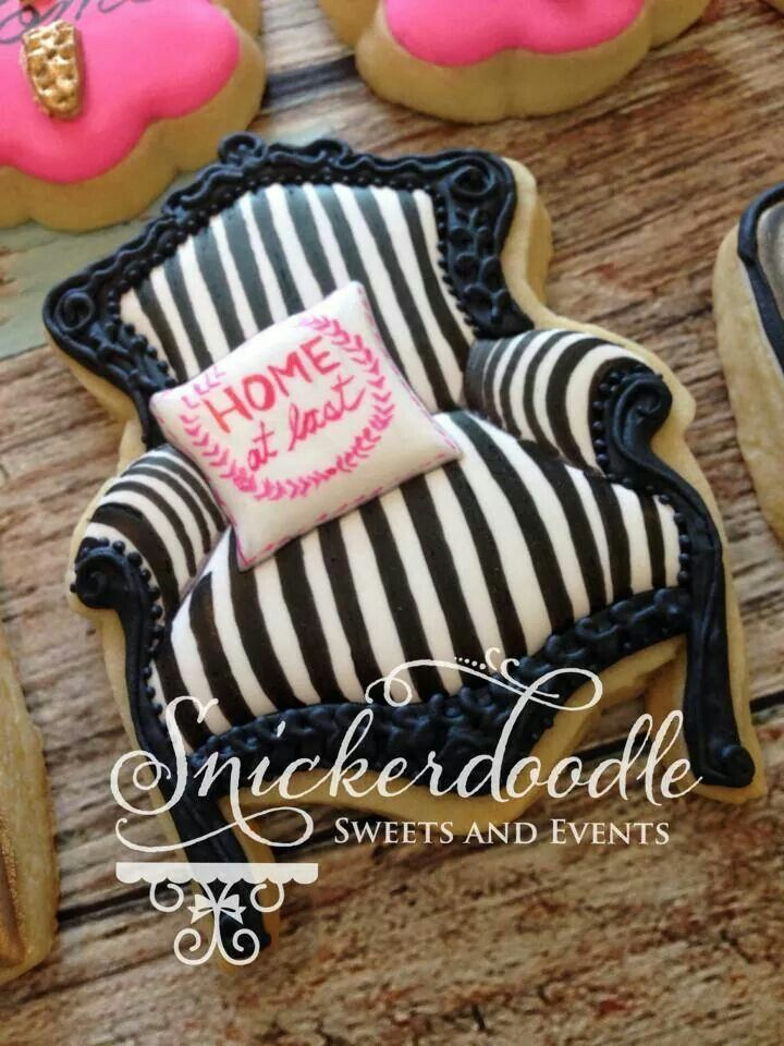 Chair Cookie ~ Took me a minute to realize this is a cookie!