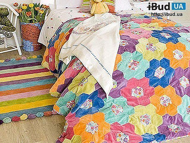 Для классического оформления в традиционном стиле детской комнаты нет ничего лучше белой, или бежевой мебели в постельных тонах. В результате комната получиться теплой и уютной. Добавить красок в с...