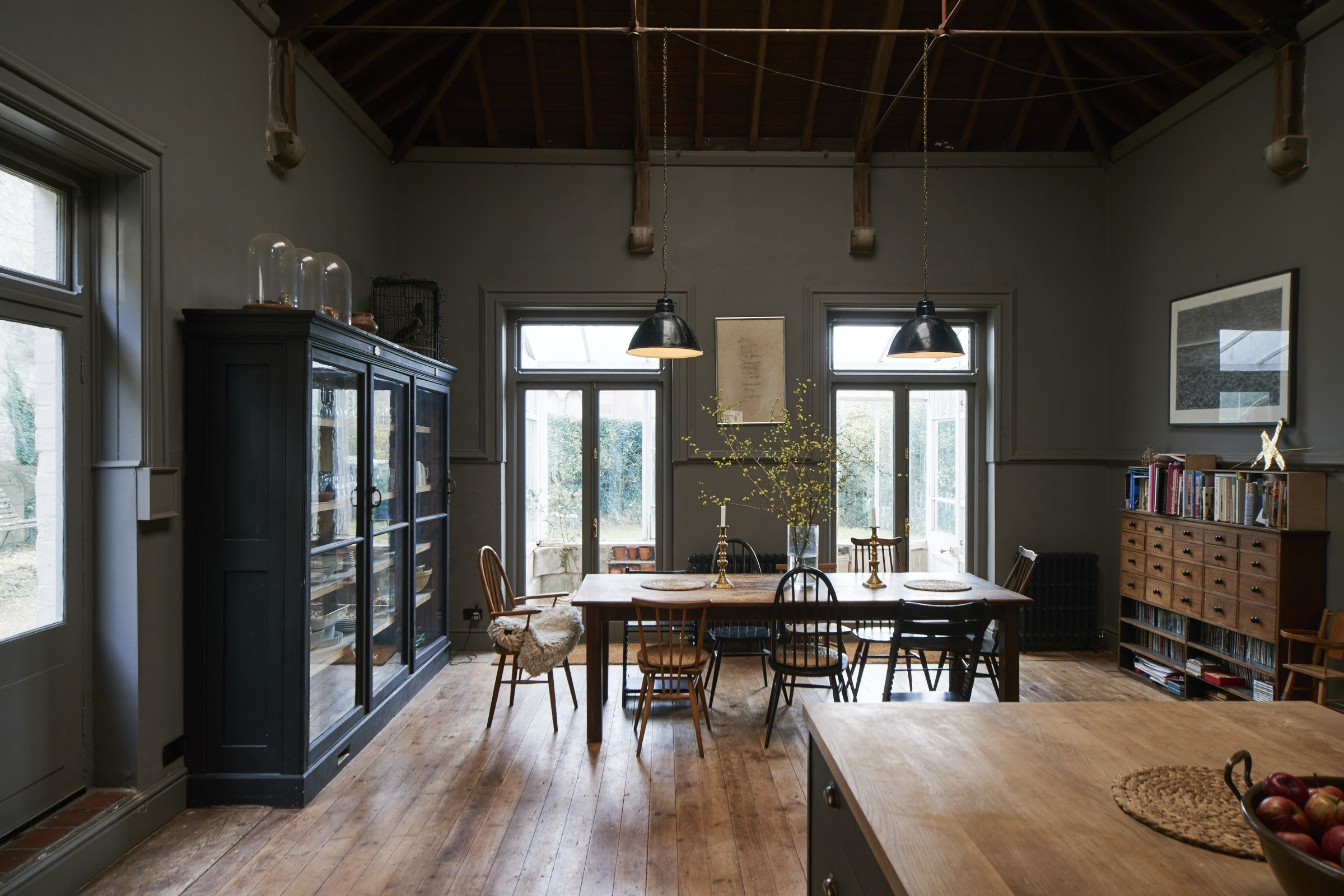 Niki turner stroud remodelista kitchen dining walls are painted in farrow s moles breath