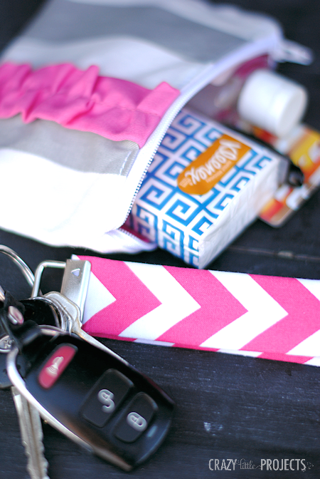Easy Bag Accessories: 5 Minute Key Fob and Simple Zipper Pouch