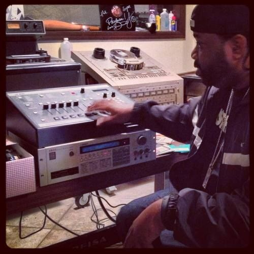 Lord Finesse and his akai s950 & emu sp1200 | Samplers and