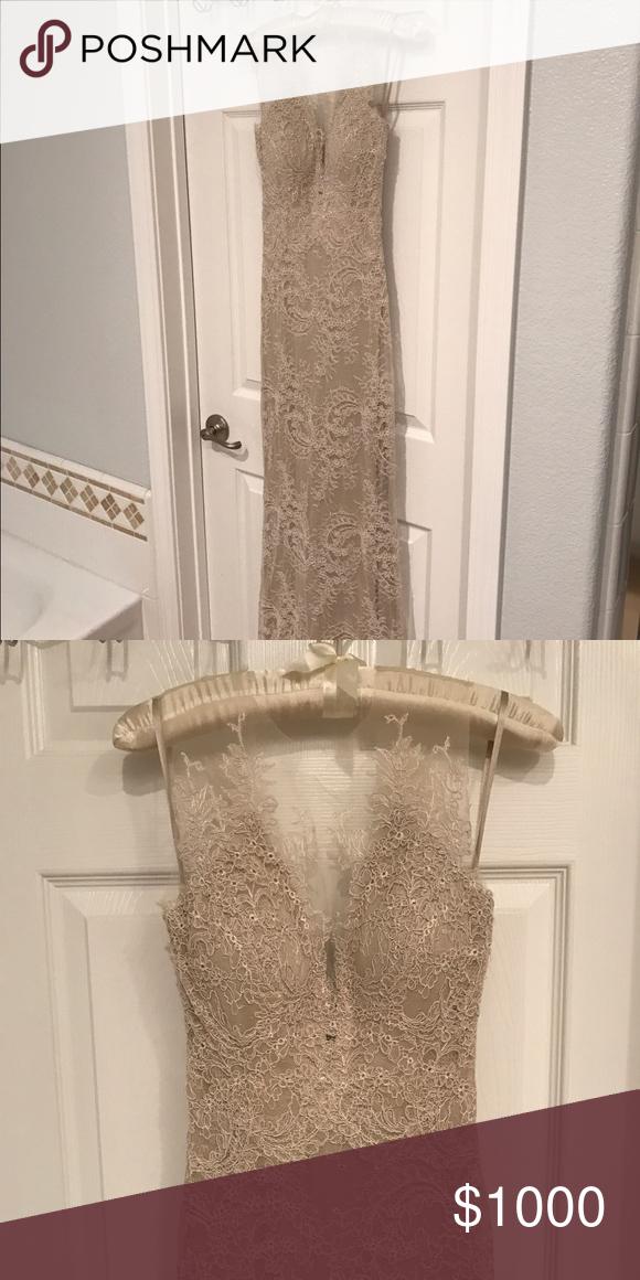 Size 0 lace dress bustle