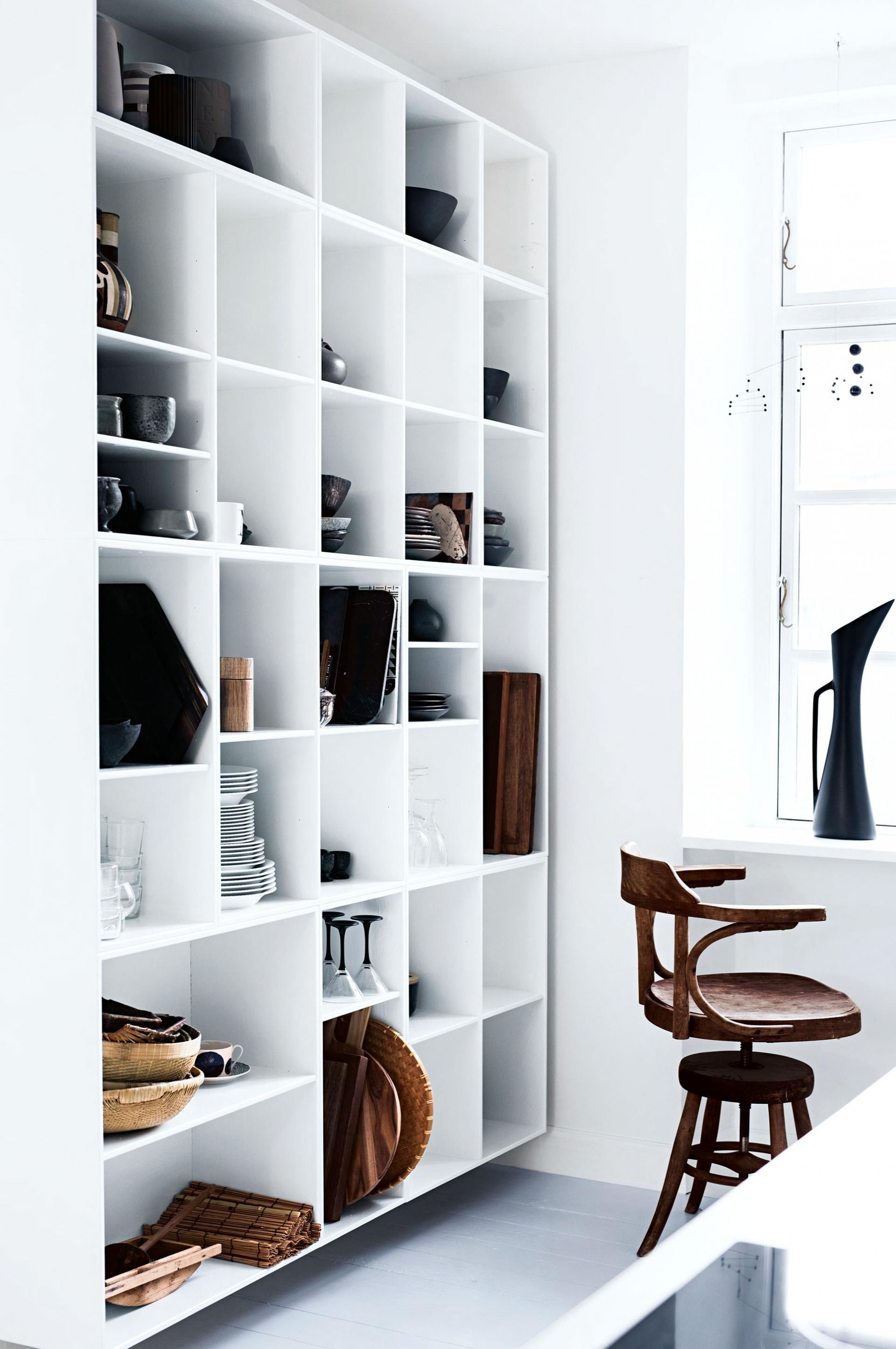 White open shelving in kitchen 월 pinterest open shelving box