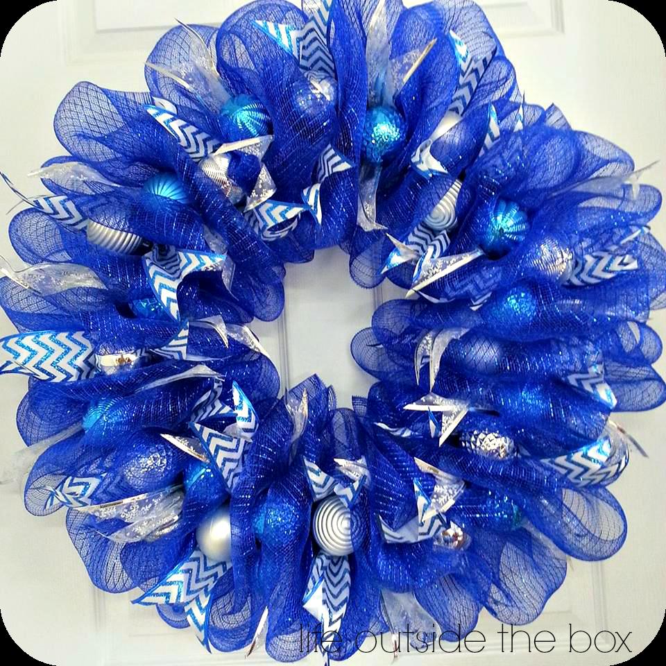 Christmas deco mesh wreath tutorial wreaths pinterest mesh christmas deco mesh wreath tutorial baditri Images