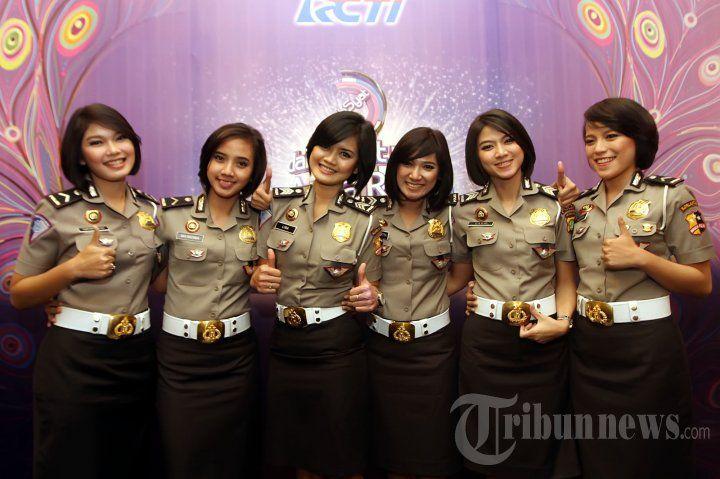 Indonesian Beeautiful Policewomen From Left Sfb Eka Rachma Brigadier Lina Spb Eka Frestya Fpb Dara Intan Spb Ing Wanita Kecantikan Pejuang Wanita