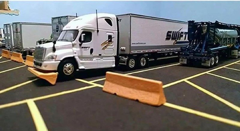 16 Swift Trucking Fails From People Having Substantially Worse