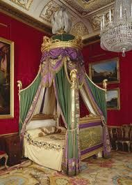 Queen Elizabeth Ii Bedroom Google Search Romantic Bed Four Poster Bohemian Chic Decor