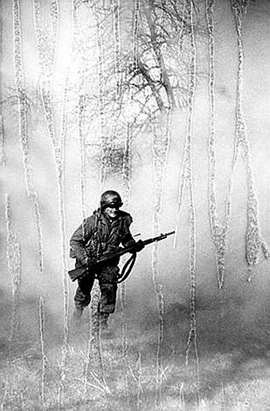 No-man's land, battle for the Rhine, Neuss 1945 - Tony Vaccaro War leave scars on everything…