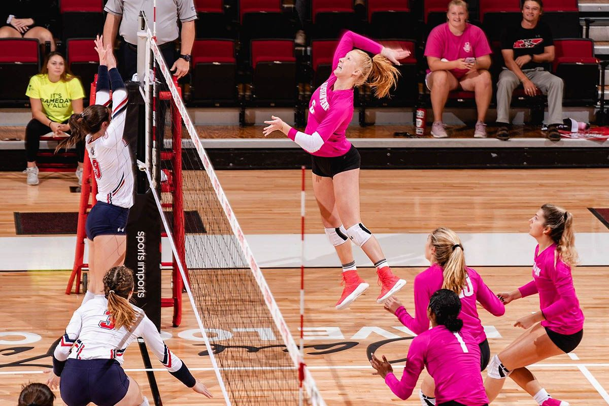 Apsu Volleyball Clinches Ovc Tournament Berth With Five Set Win Over Ut Martin With Images Austin Peay State University Volleyball Tournaments