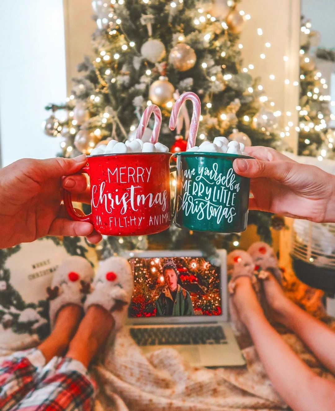 Christmas Wonderland On Instagram All I Want For Christmas Is A Hot Chocolate And My Family In 2020 Fun Christmas Decorations Christmas Aesthetic Christmas Lovers