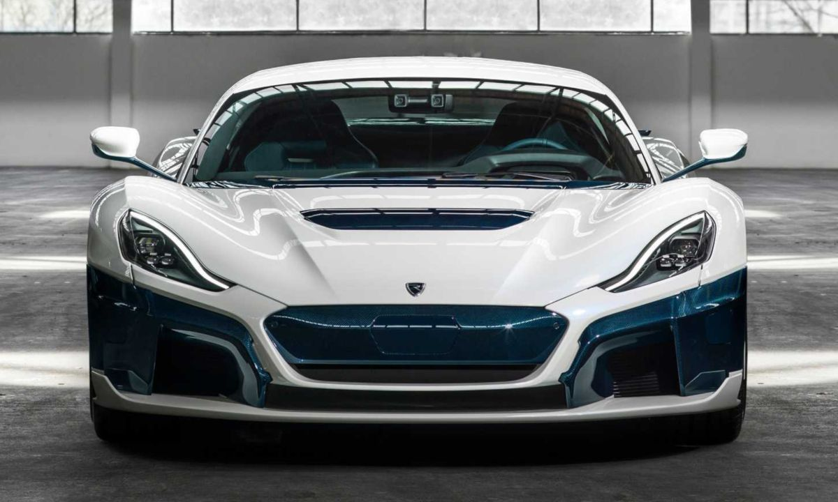 Rimac C Two Electric Supercar In Galactic White Super Cars Bmw Electric Car Electric Sports Car