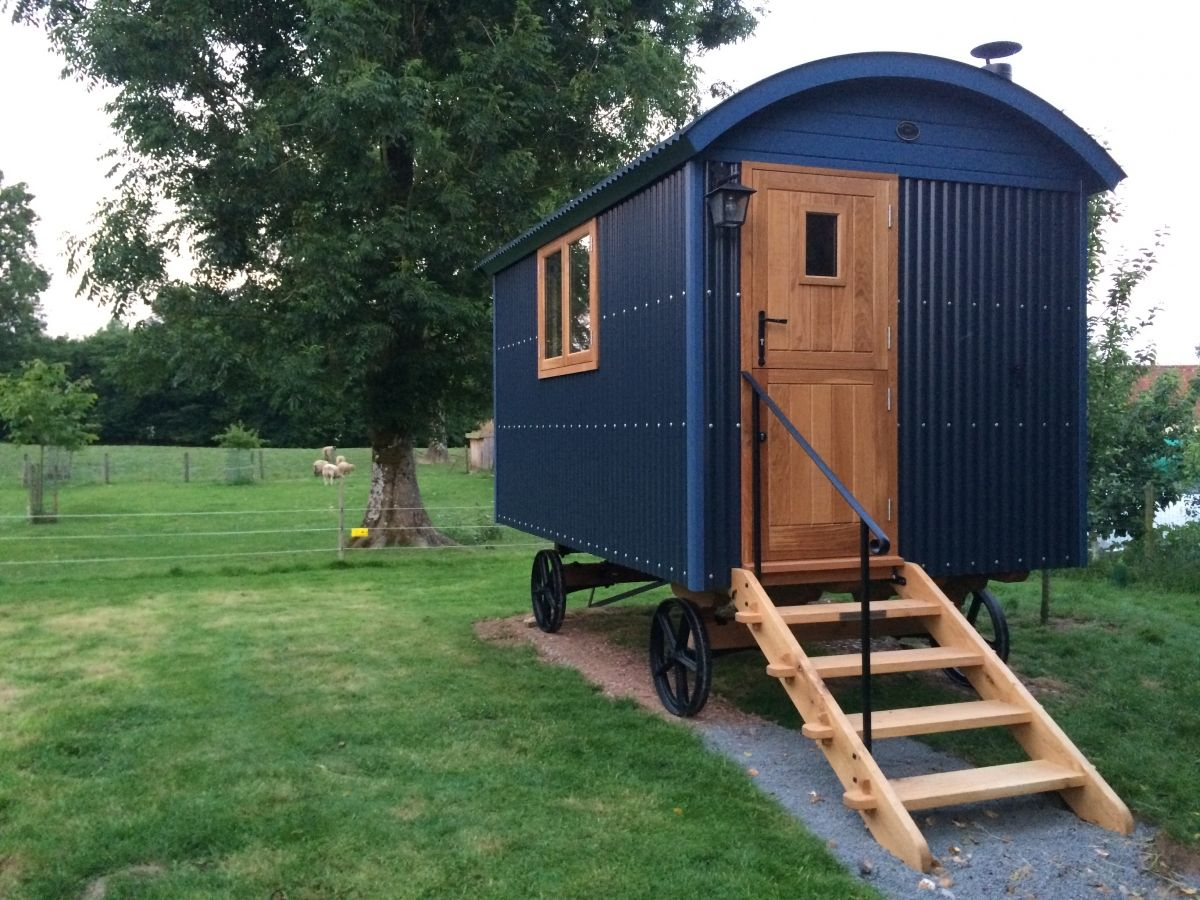Shepherd S Huts Photos Shepherds Hut Flat Pack Homes Uk Hut