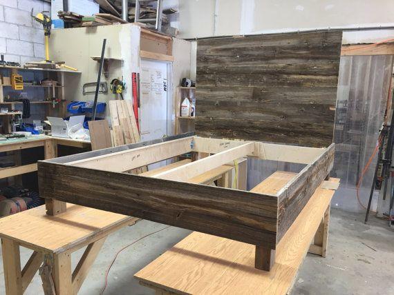 Reclaimed Wood Bed Storage Bed Modern Bed Rustic Bed Bedroom Furniture Farmhouse Bedroom En 2020 Lit Bois Lit Moderne Et Lit Rangement