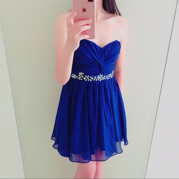 e4692949ea7d WINDSOR Royal Blue Homecoming/Prom Dress This dress is so pretty to wear to  prom