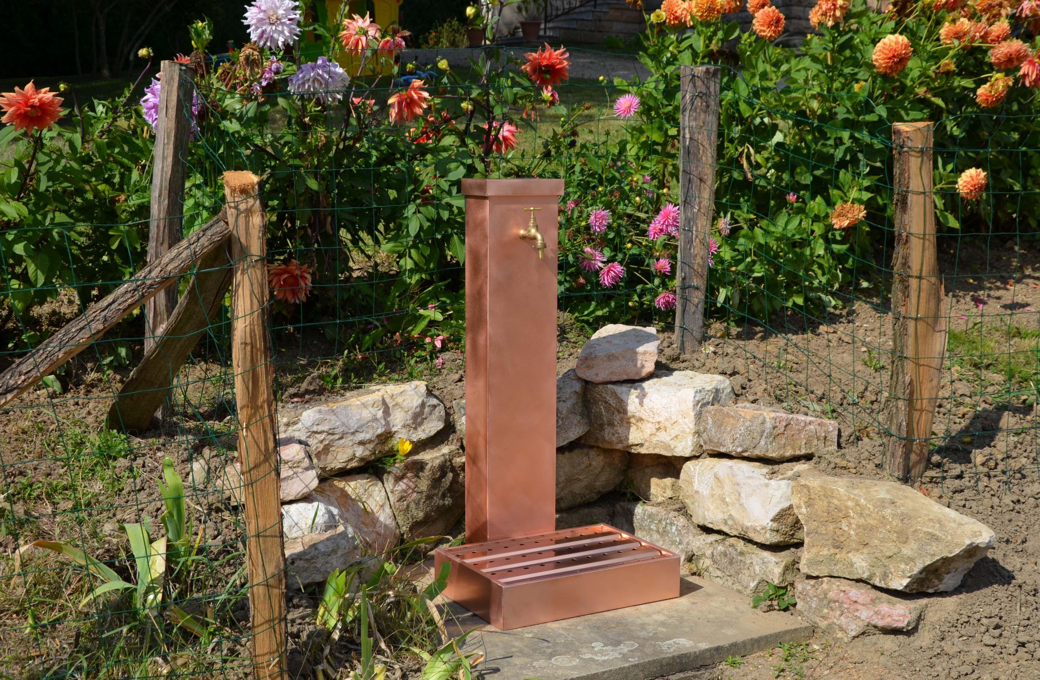Fontaine de jardin en cuivre. Artisan créateur de produits indoor et ...