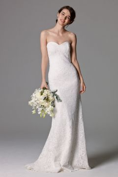 3973ce051bc Top 24 Wedding Dress Styles for Petite Bride-to-be in 2019