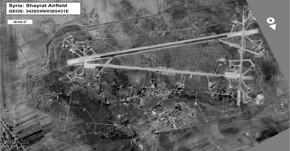 Ataque dos EUA em retaliação à Síria deixa 6 mortos em base aérea