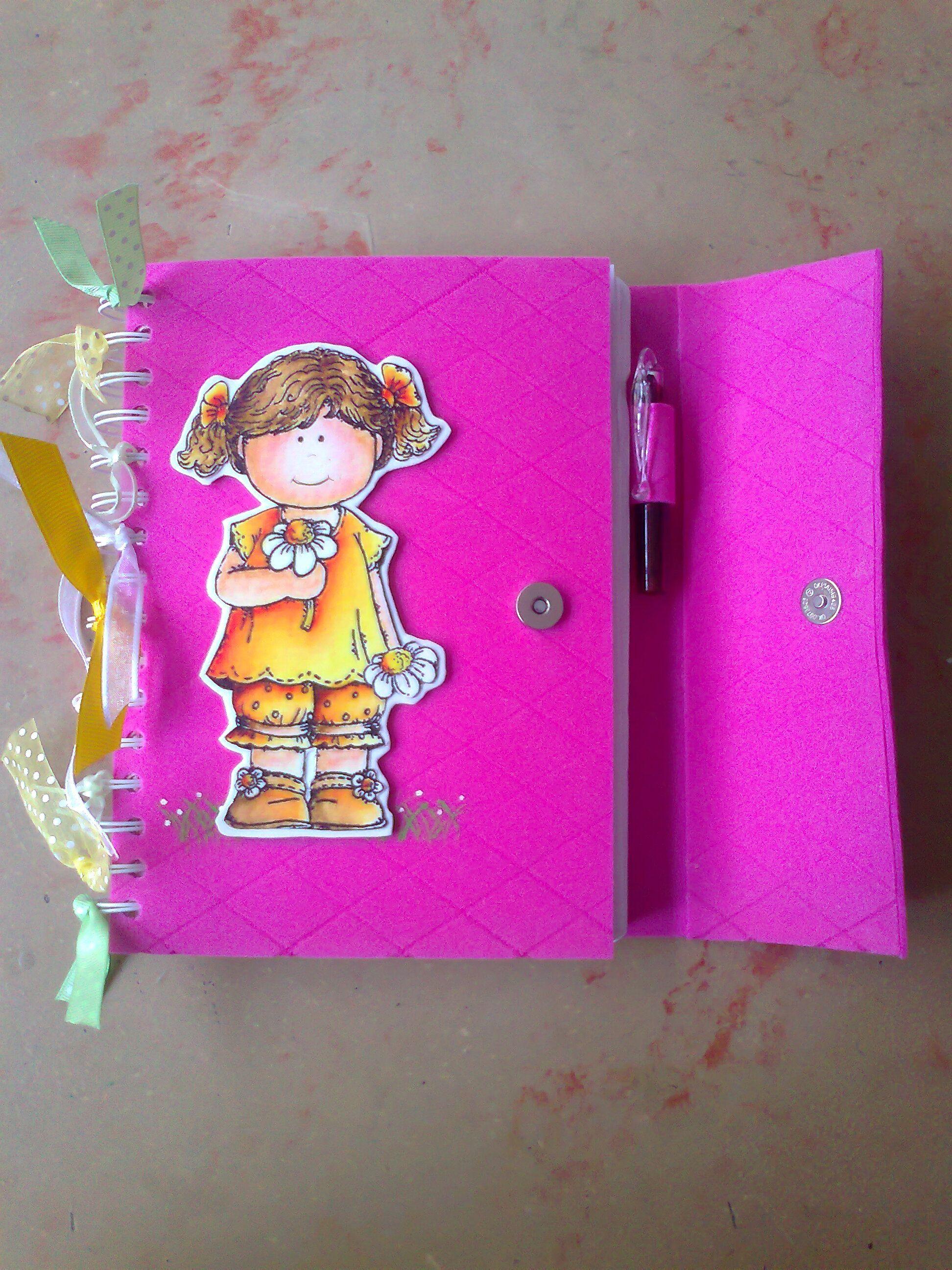 Cuaderno forrado en foami | cuaderno decorado con goma eva | Pinterest