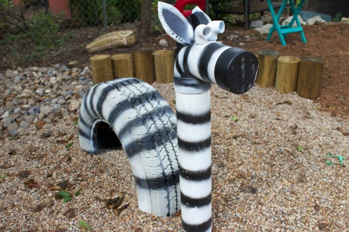 sandkasten mit h pftieren ein zebra aus alten autoreifen garten pinterest kindergarten. Black Bedroom Furniture Sets. Home Design Ideas