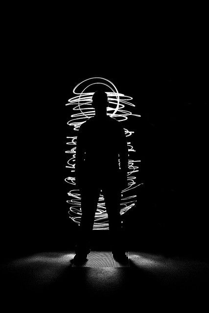 light drawing | Light painting photography, Sparkler photography, Portrait  photography lighting