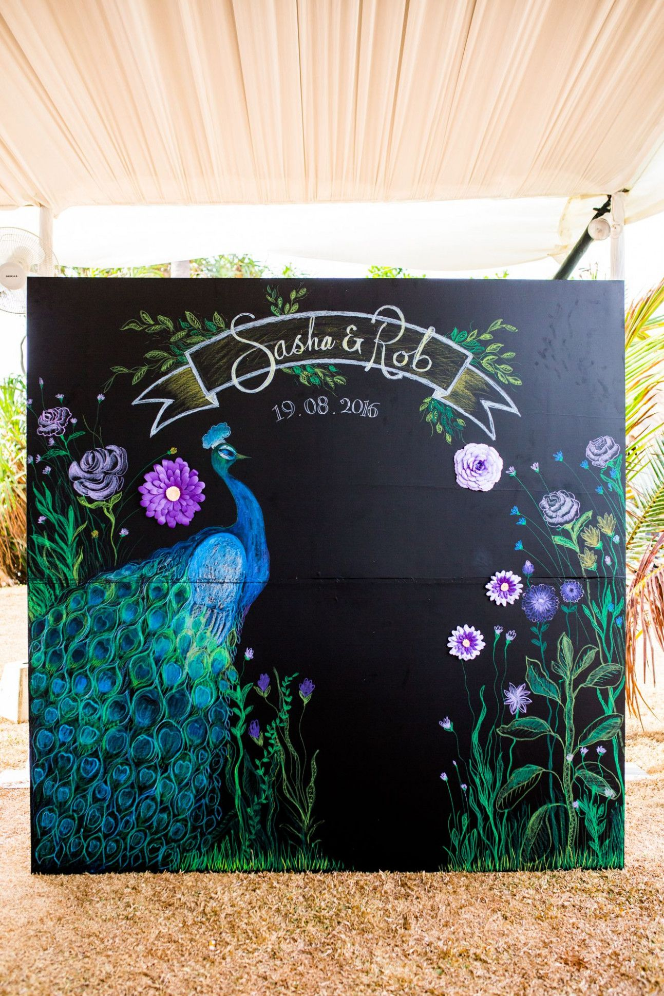 – Peacock theme photo booth backdrop