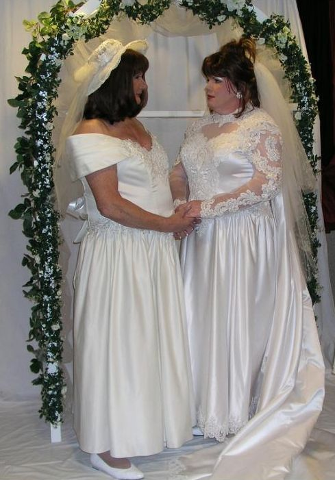 A gorgeous couple. | Women like me as Brides | Bridesmaid ...