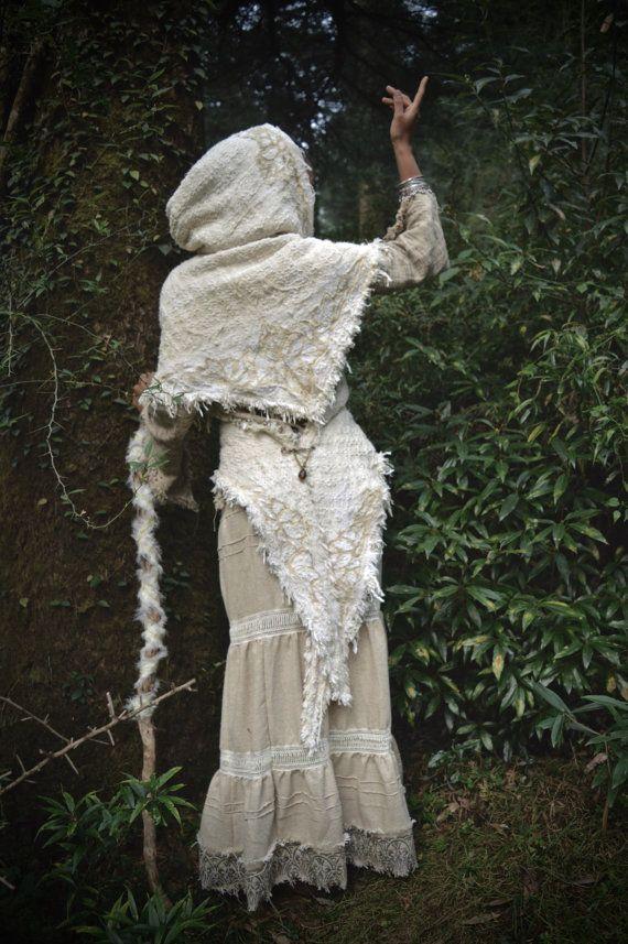 Königin von Dream Forest Creme warme Hood Poncho Schal limitierte Auflage