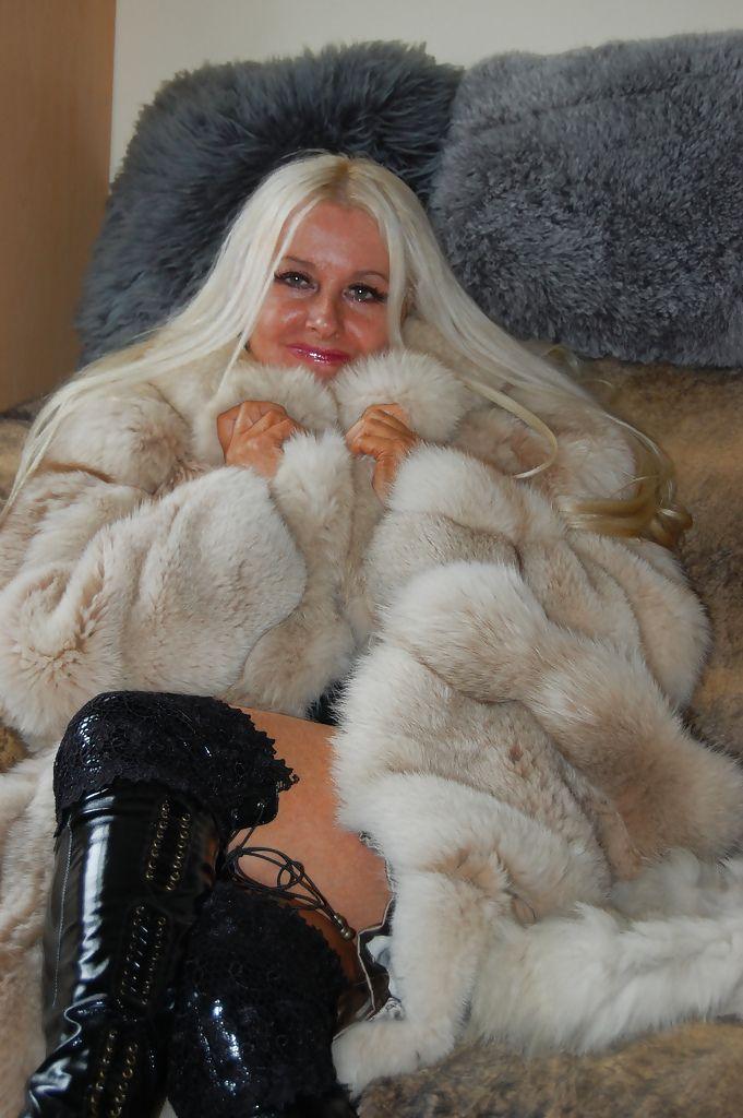 Fur Mistress Louise  Fur, Fur Fashion, Fox Fur Coat-6509