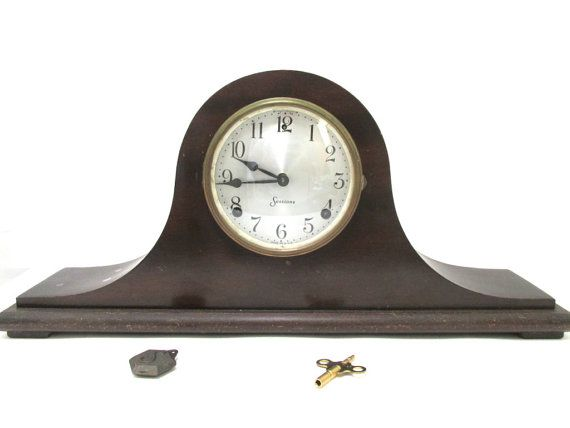 Vintage E Ingram Wooden Mantle Clock Eight Day Key Wound Mantel Clock