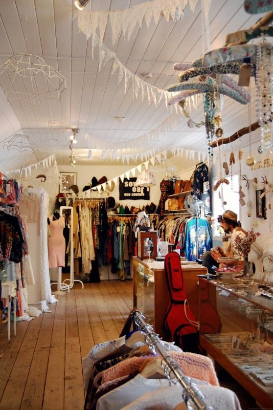 Snooper S Attic Store Design Boutique Vintage Clothes Shop Boutique Interior