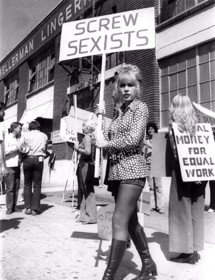 Early 1970's women's rights protesters [788 x 1024]