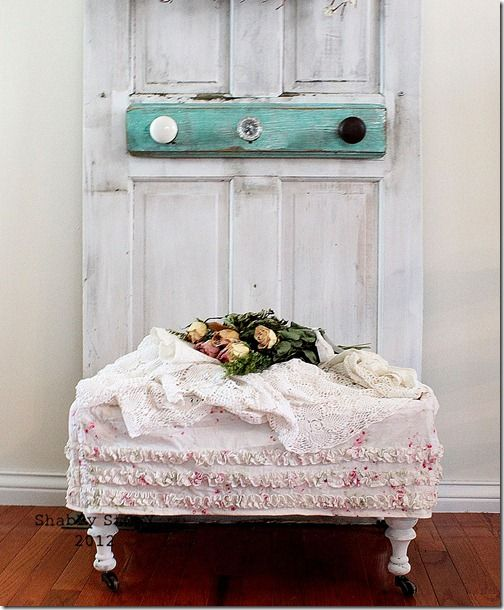DIY:: Shabby Upcycled stool with shower curtain (tutorial)