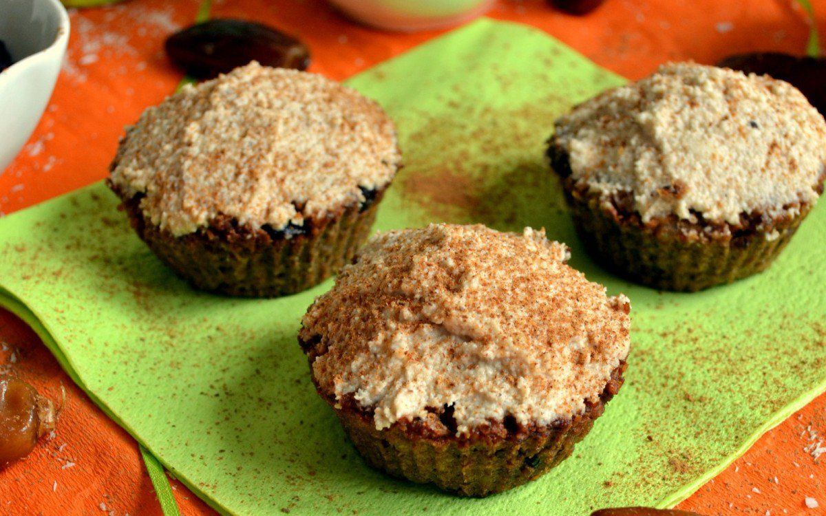 Flourless and Sugar-Free Carrot Cake Muffins [Vegan] | One Green Planet