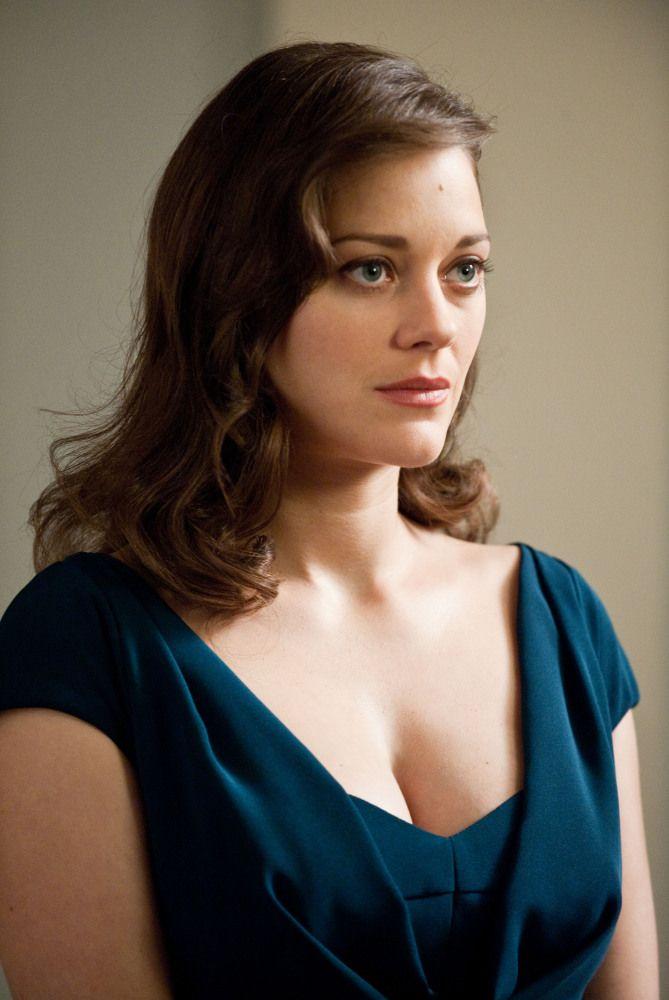 First Look Marion Cotillard In Dark Knight Rises Marion