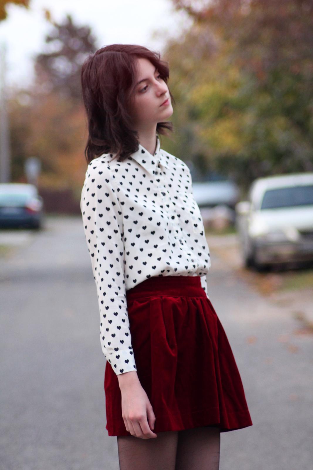 red velvet skirt + black & white heart pattern top | outfit ideas
