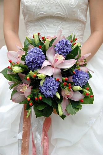 berries in a bridal bouquet #flowers