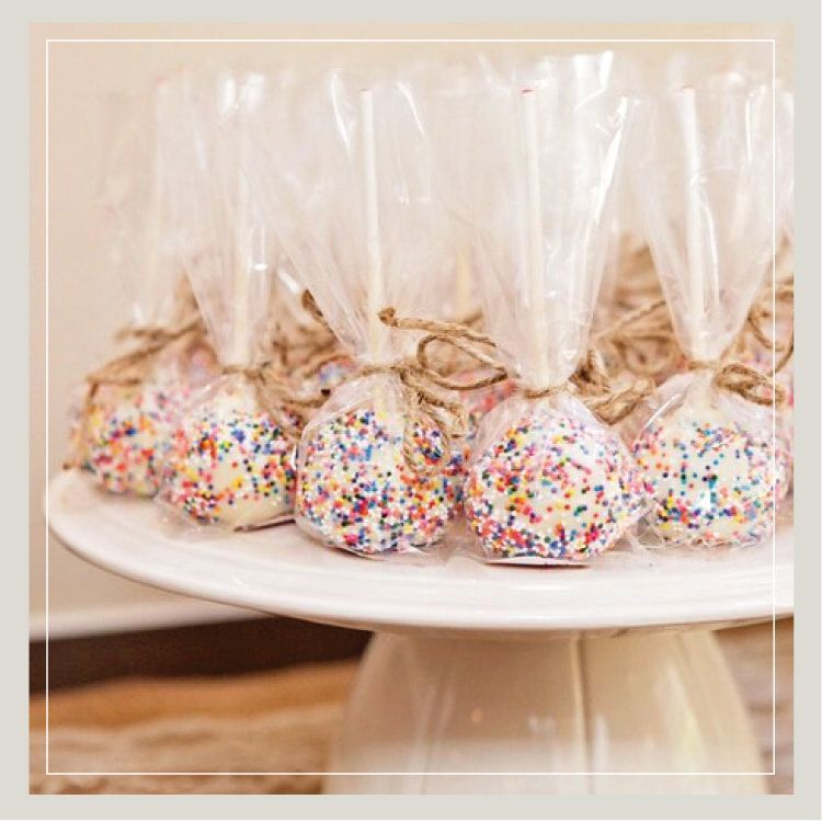 Clear poly bags for your cake pop favors wedding cake