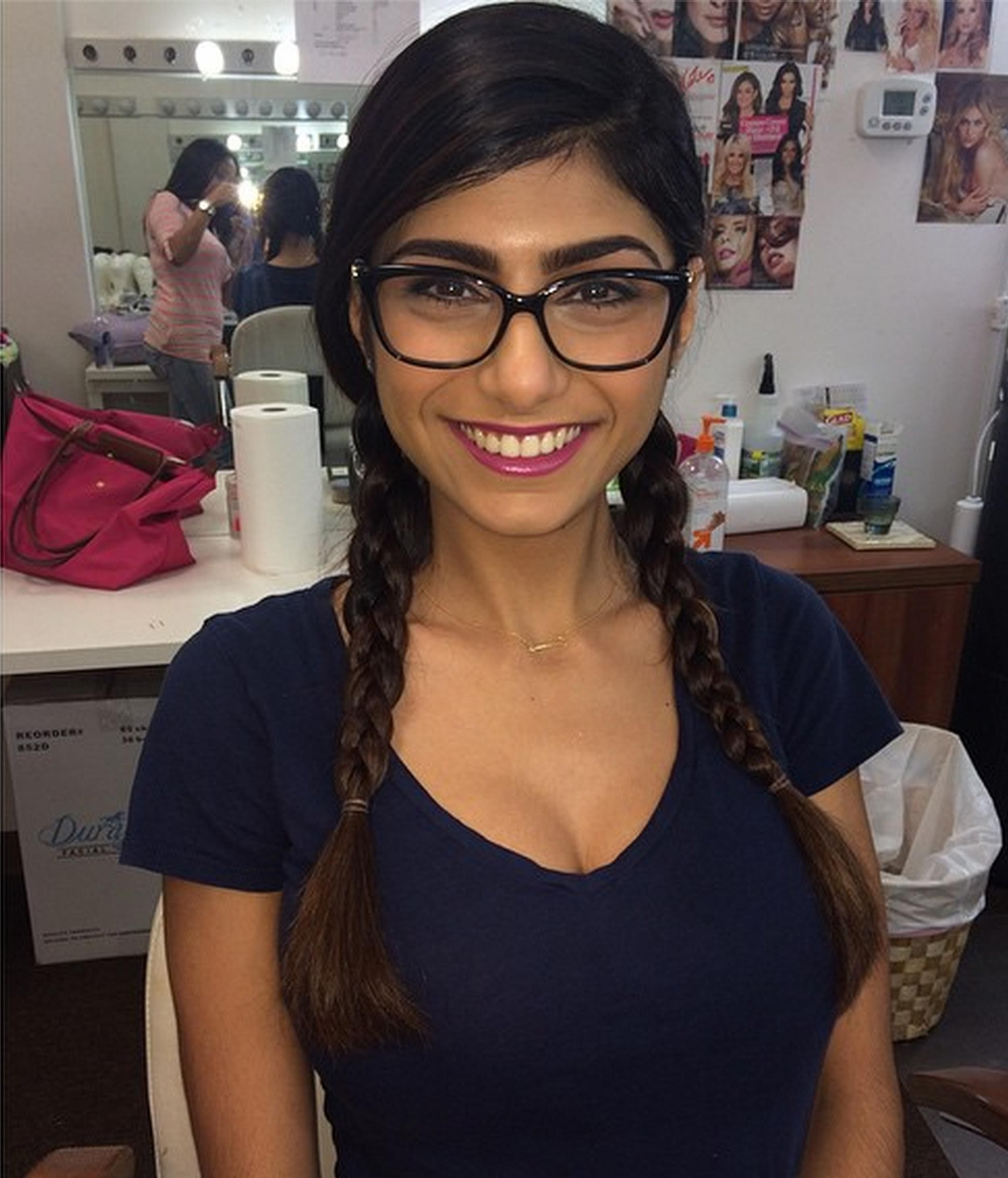 mia khalifa leaves industry