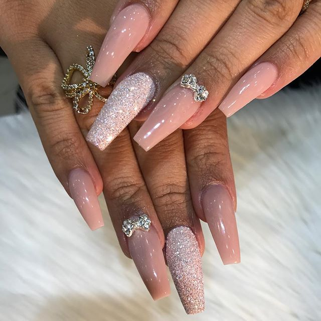 Pin by Queen A on Nails | Classy acrylic nails, Classy ...