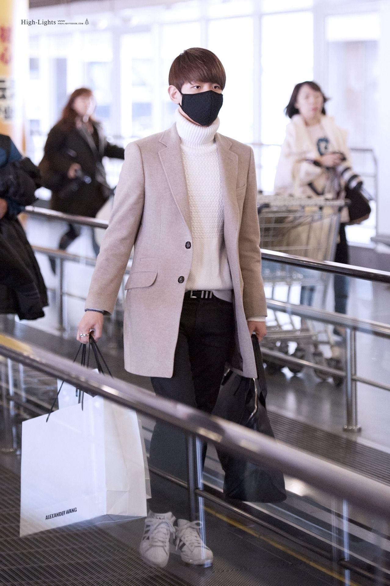 Aeroporto Guangzhou Arrive : Baekhyun 141231 guangzhou airport arrival from incheon credit